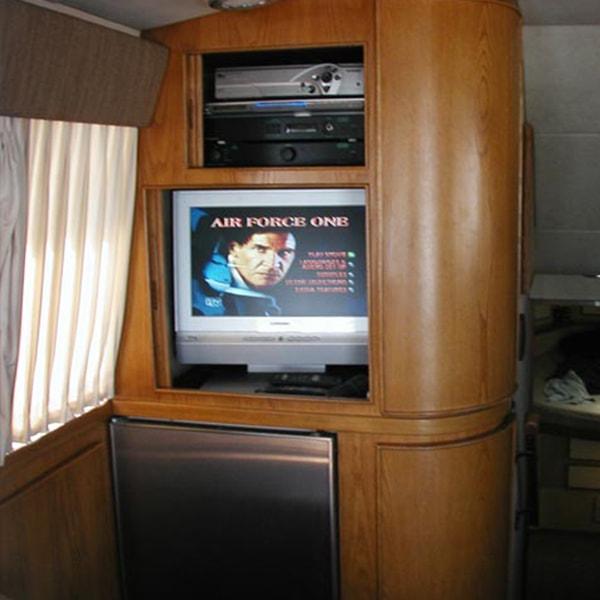 Stereo & TV
